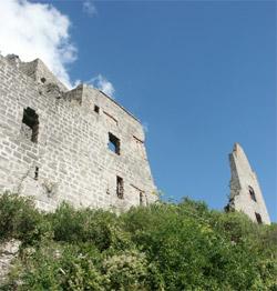 Außenfassade der Burgruine