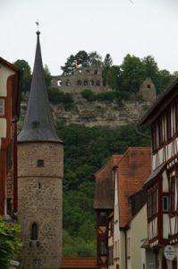 Karlburg, Aufnahme vom Maintor (Karlstadt am Main)